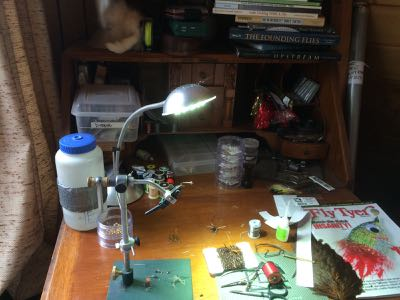 fly tying desk at the teton fly fishing cabin