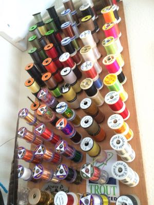 Tying thread
